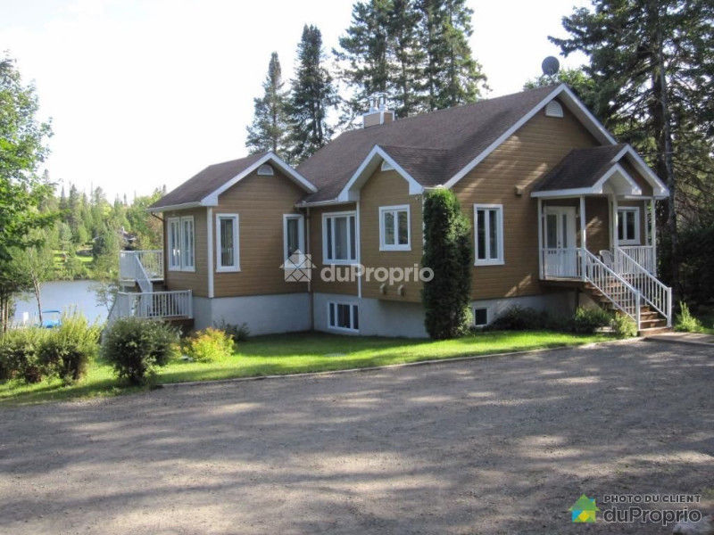4 season cottage, navigable waterfront, interlacing