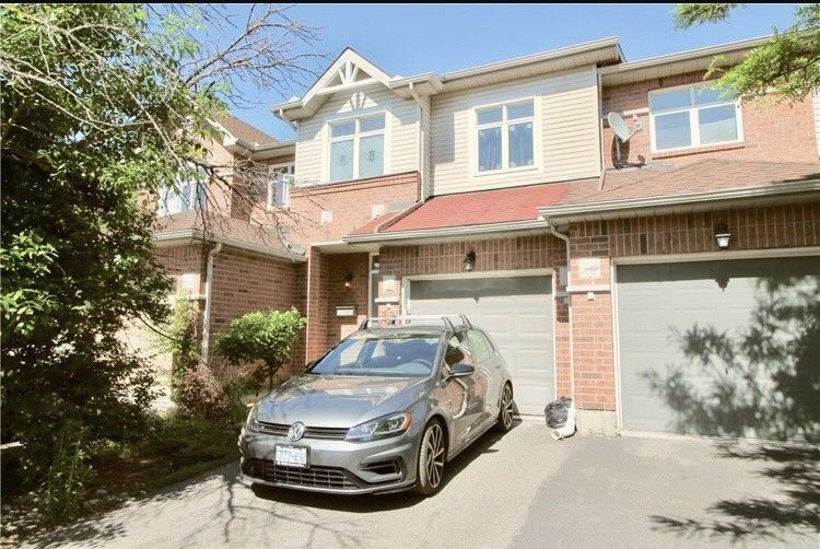 4 Bed 4 WR Ideal Location Rare Find beautiful Townhouse Sale