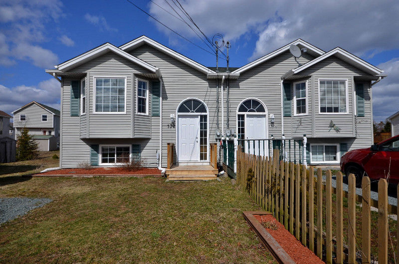 PRICE REDUCTION Gorgeous, Updated Semi in Eastern Passage