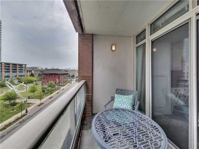 Sunny & Bright 1 Bed In Heart Of Liberty Village w. Locker