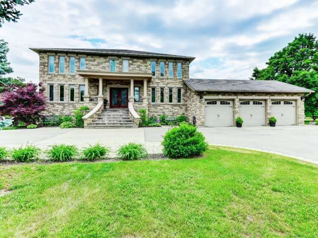 GORGEOUS 4+1Bedroom Detached House in BRAMPTON