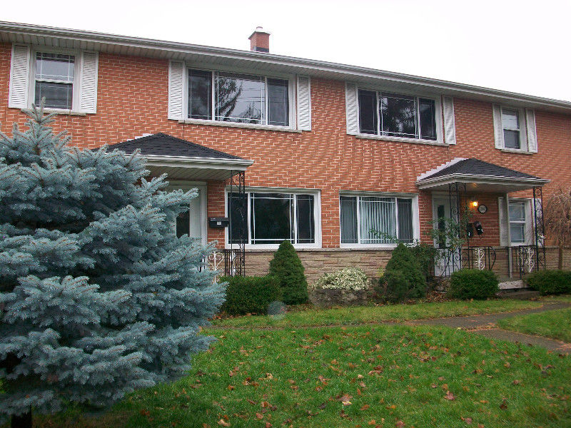 2 BR, South Burlington, Fairview GO, $1450month