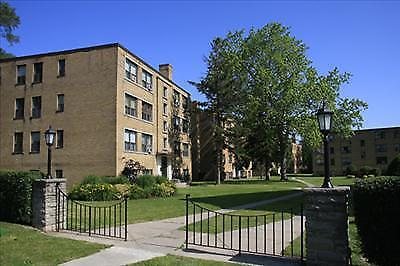 2 Bedroom Apt. for Rent in Kingsway Neighbourhood of Etobicoke!
