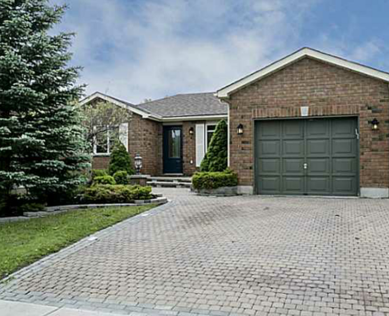 3 Bed Semi Detach home for Lease in Brampton