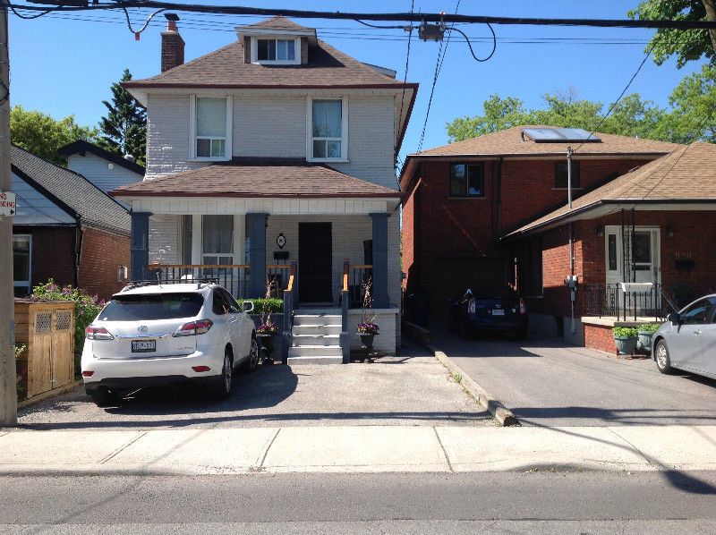 East York 1 bdrm basement apt $1195 Available immediately