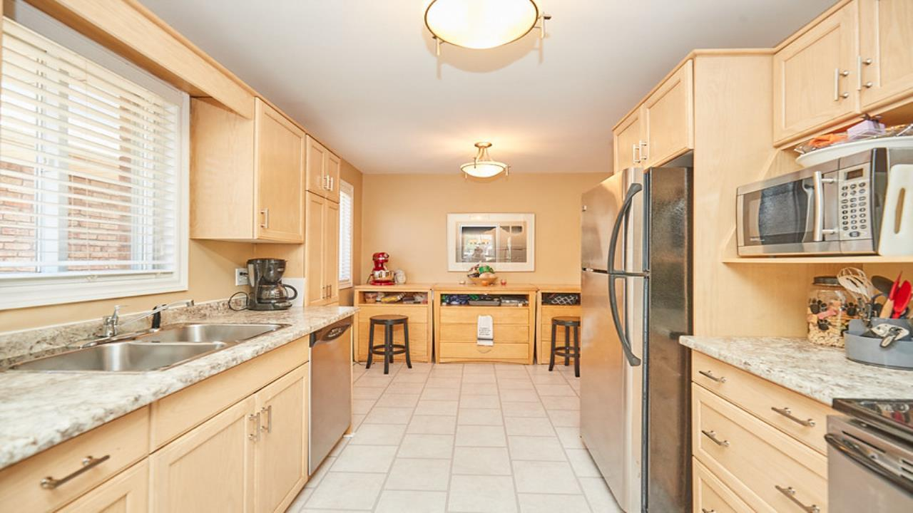 Beautiful  home in a sought after area in St. Catharines