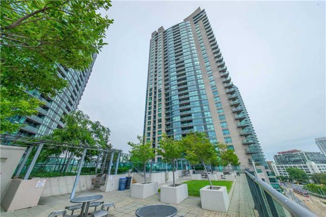 A Bright And Spacious Tastefully South Unit Condo Of Toronto