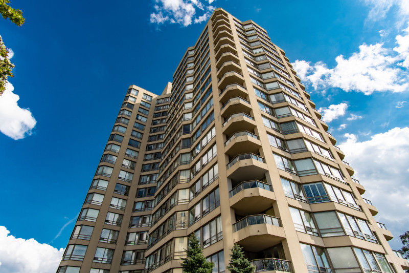 Just Listed! The Perfect 2 Bdrm, 2 Bath Condo