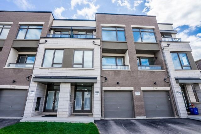 Modern Design Freehold 3BR Townhouse Located In Oakville