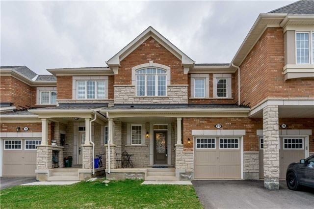 One Year New 3BR Traditional Townhouse Located In Oakville