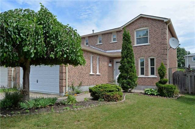 Gorgeous detach home for sale in Ajax