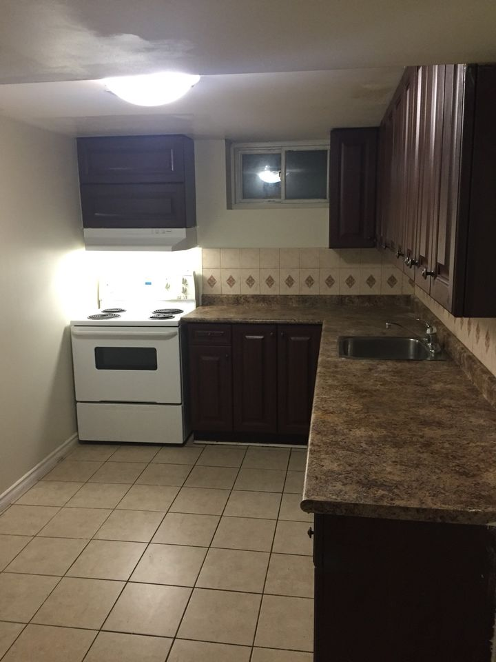 2 Bedroom Basement Apartments For Rent In Scarborough ...