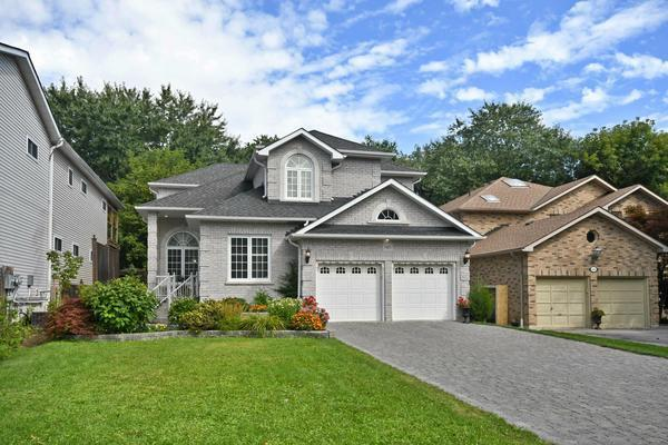 Rare 250 Ft Plus Flat Deep Lot -Custom Home In Pickering