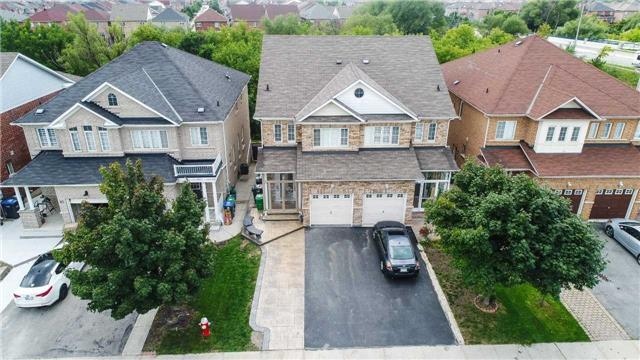 Very Well Maintained Home In Brampton