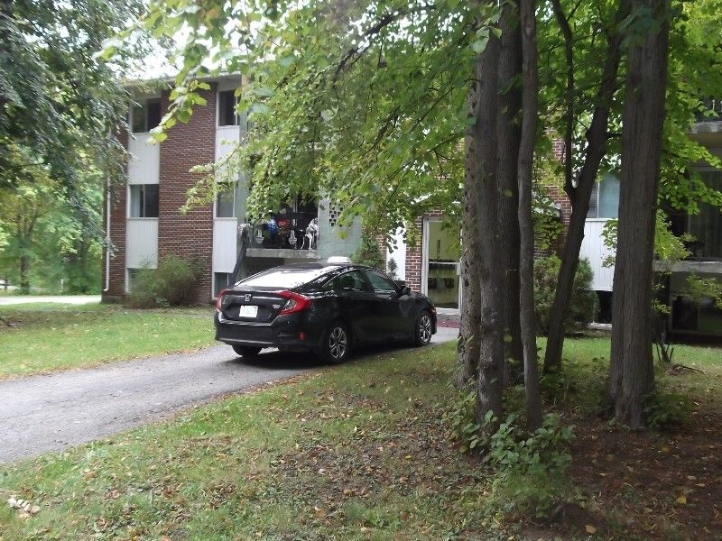 Adult Security Bldg Top Fl. 2 B/R apt.with Balcony W.End Pictou