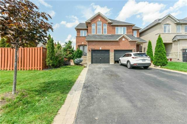 Stunning 3+1 B/R, 2 Kit Semi With Fin Bsm & S/Ent Near Lisgar GO