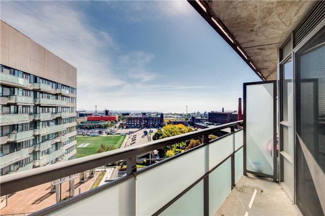 Rarely Offered 1 Bed, 2 Bathroom, 625Sqft - King West/Liberty