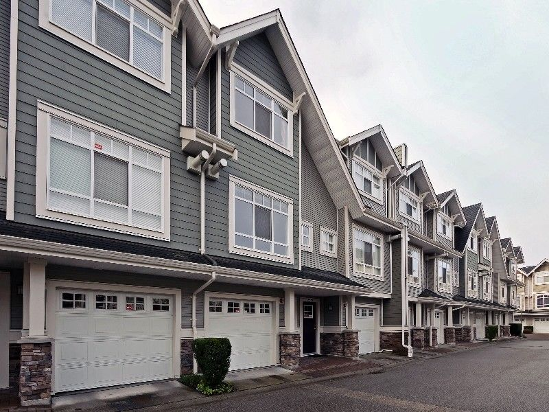 3 Bed, 2 1/2 Bath Townhouse Champlain Heights, Vancouver, Ca