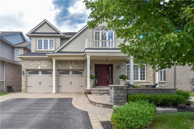 EXECUTIVE 4BRM 4BATH HOME OVER LOOKING BRONTE CREEK(W4203930)