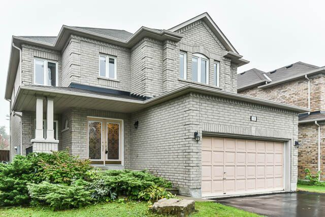 Bathurst/Canyon Hill Must See Executive Home 2800 sf