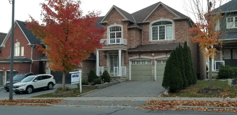 503 Thornhill Woods ! Bathurst / S. of 16th - 4/5 BR - 3318 S F