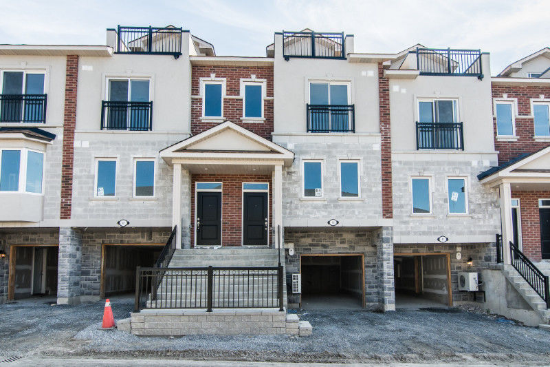 NEW, NEVER LIVED IN 3 BED, TOWNHOUSE! OPEN HOUSE SATURDAY WHITBY
