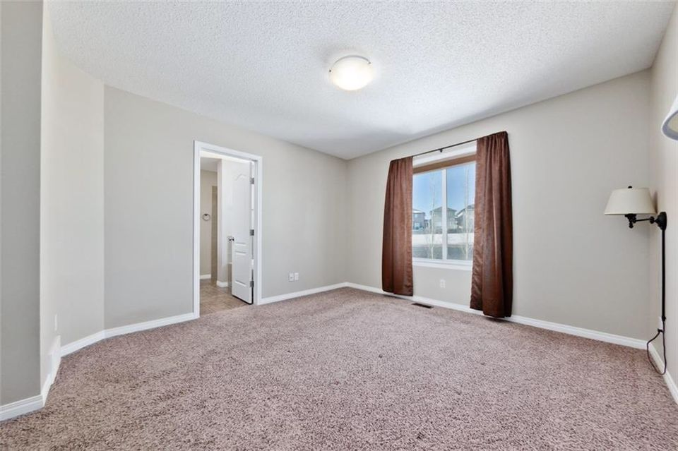 Beautiful and Bright 3 bedroom, 2.5 bath house in Sage Hill