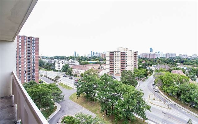 Fully Renovated Top To Bottom 2 Bedroom Unit Near Square One!