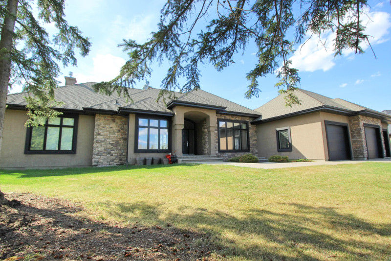 Executive Bungalow Acreage in Parkland County