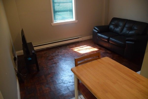 Furnished studio apartment High Park area