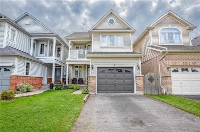 Gorgeous 3 Bed, 3 Bath Home In Sought After Whitby Shores.