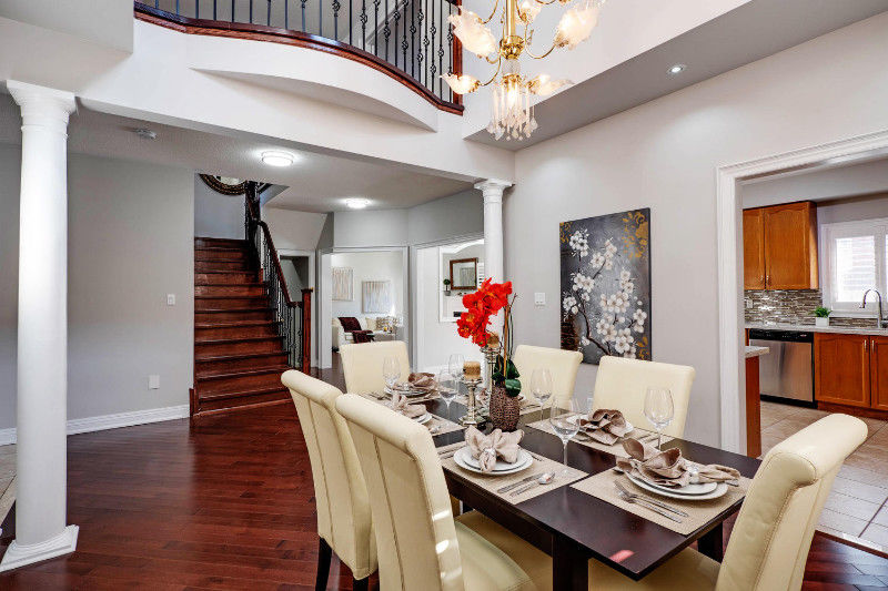BEAUTIFUL 7 BEDROOM HOME IN MARKHAM