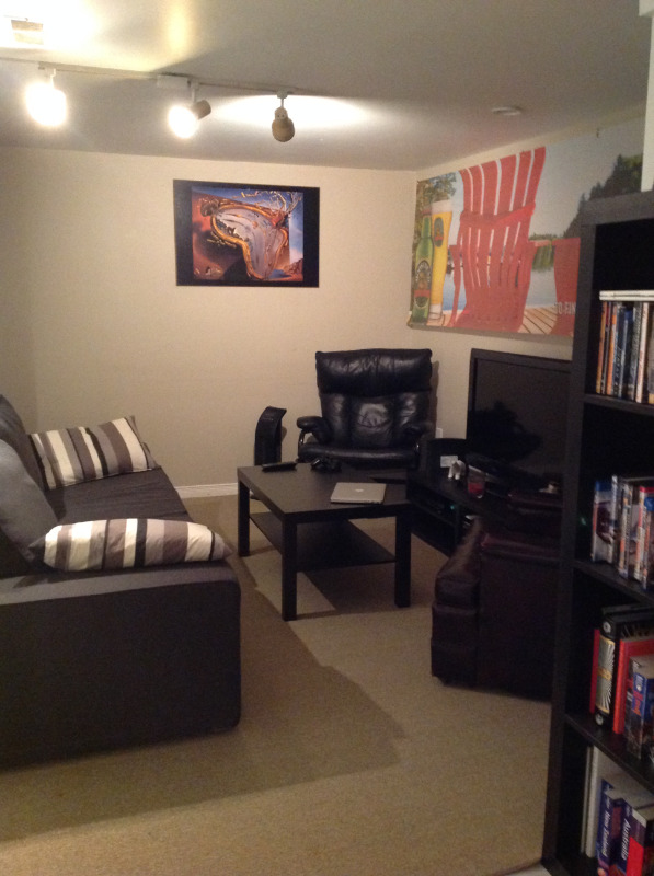 BATHURST & SHEPPARD- 1 BED- SPACIOUS, CLEAN & FRESHLY PAINTED