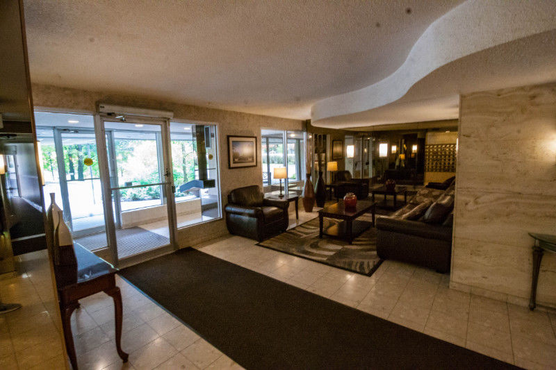 EXCLUSIVE! Wonderful Mississauga condo near Square One