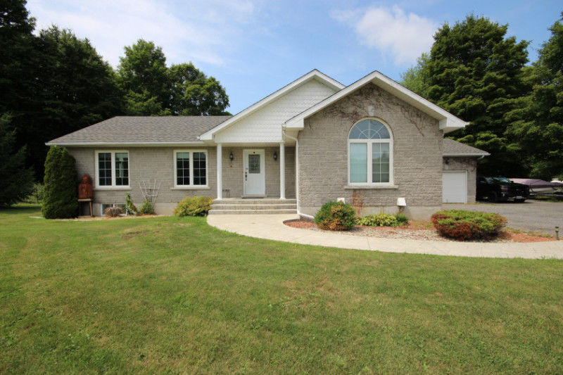 Bungalow on 5 acre lot- 4458 Highway 15, Kingston