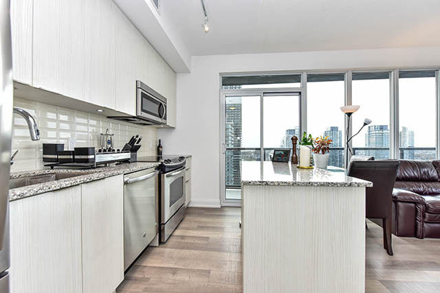2 Br Luxurious Lake View Condo In Toronto **10%Down**
