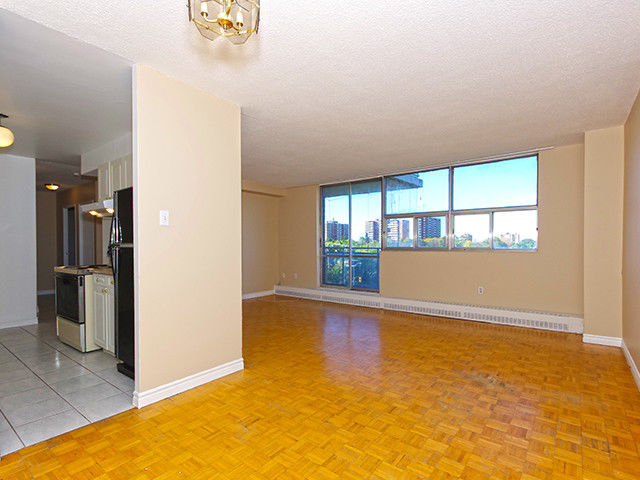 2 Bdrm+Den -1Bthrm Condo for Sale at Kipling Ave