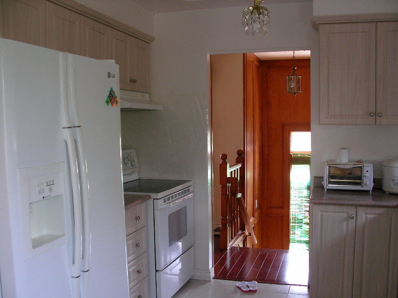 two rooms upstairs in a house(mavis/burnhamthorpe) for rent