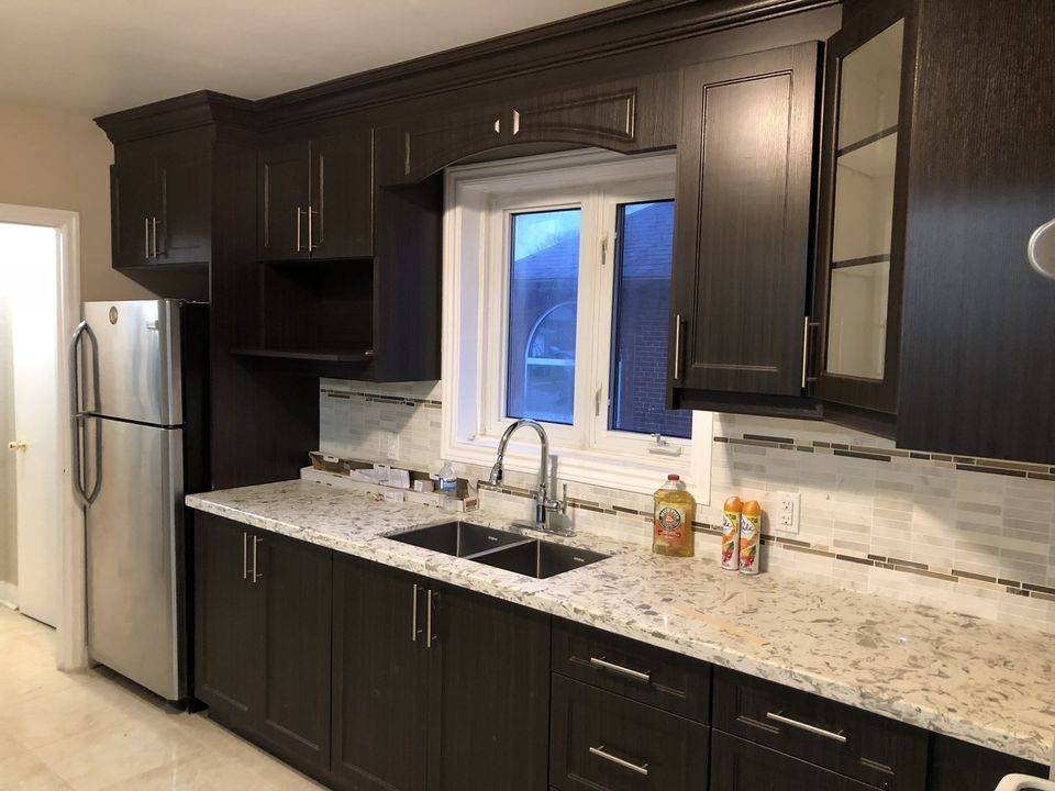 Dufferin And Wilson - Close To Yorkdale Mall - Room For Rent, Toronto, Ca