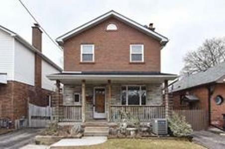 Large 3 Bedroom 2 Story Detached Family Home Of Toronto Location