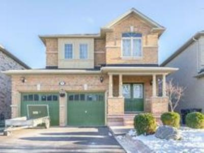 A Fully Detached 4 Bedroom House In Large Brampton Apartment.