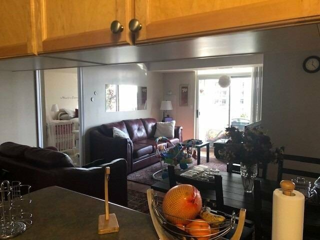 Beautiful And Spacious 2 Bedrooms Unit In Centre Of Mississauga