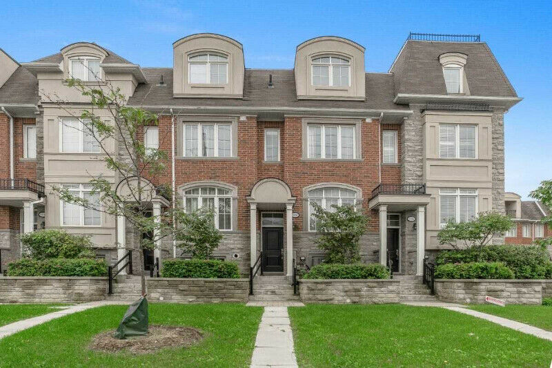 Luxury 3 Bedroom TownHouse For Sale ( Yonge/Finch)