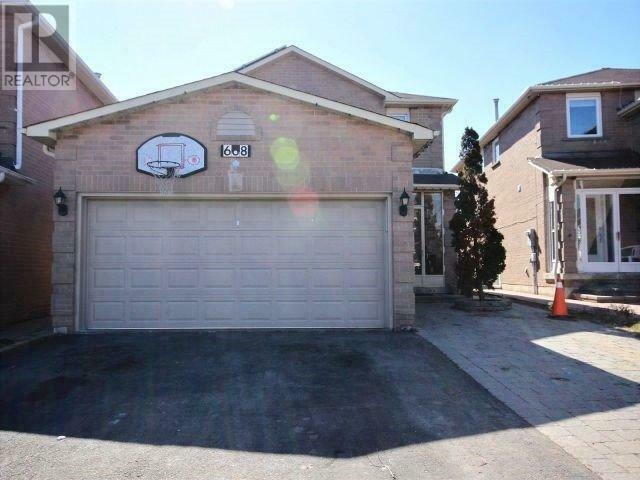 Mississauga Heartland: 4 Bed detached main house for Rent: $3000