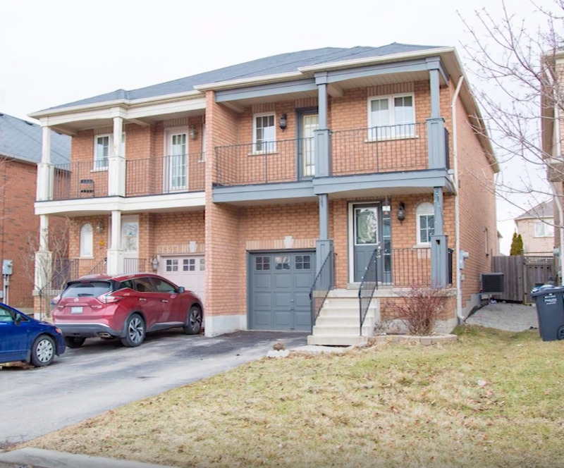 Semi Detached House for Rent from April 1st in Mississauga