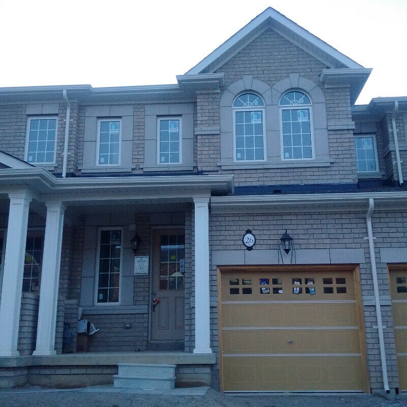 GORGEOUS 3 bedroom Townhouse for Rent 5 mins from Mt Pleasant GO