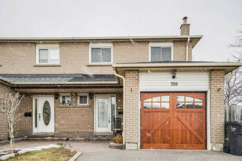 Sunfilled Rare 4 Br 4 Wr Semi Detached On A Corner Lot!
