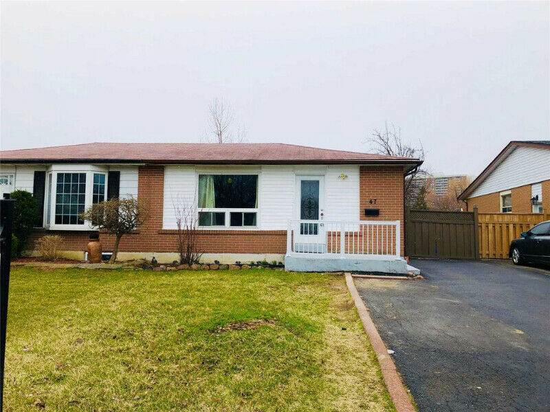 Beautiful 3+2 Bedroom, 2 Bathroom Semi-Detached Bungalow