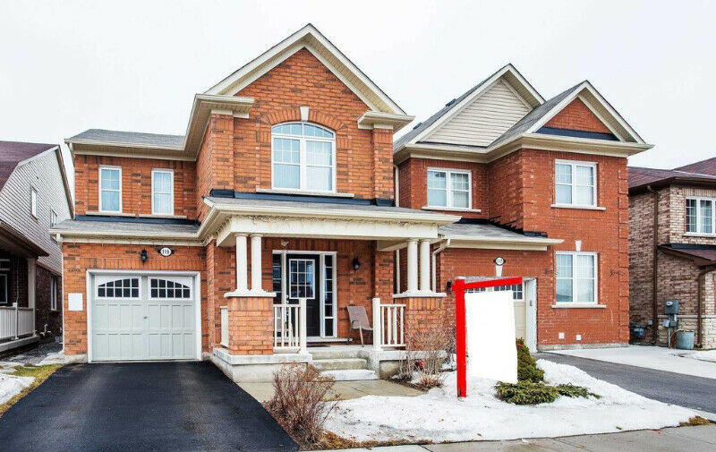 Family Detached Home In One Of The Prestige Mount Pleasant Area,