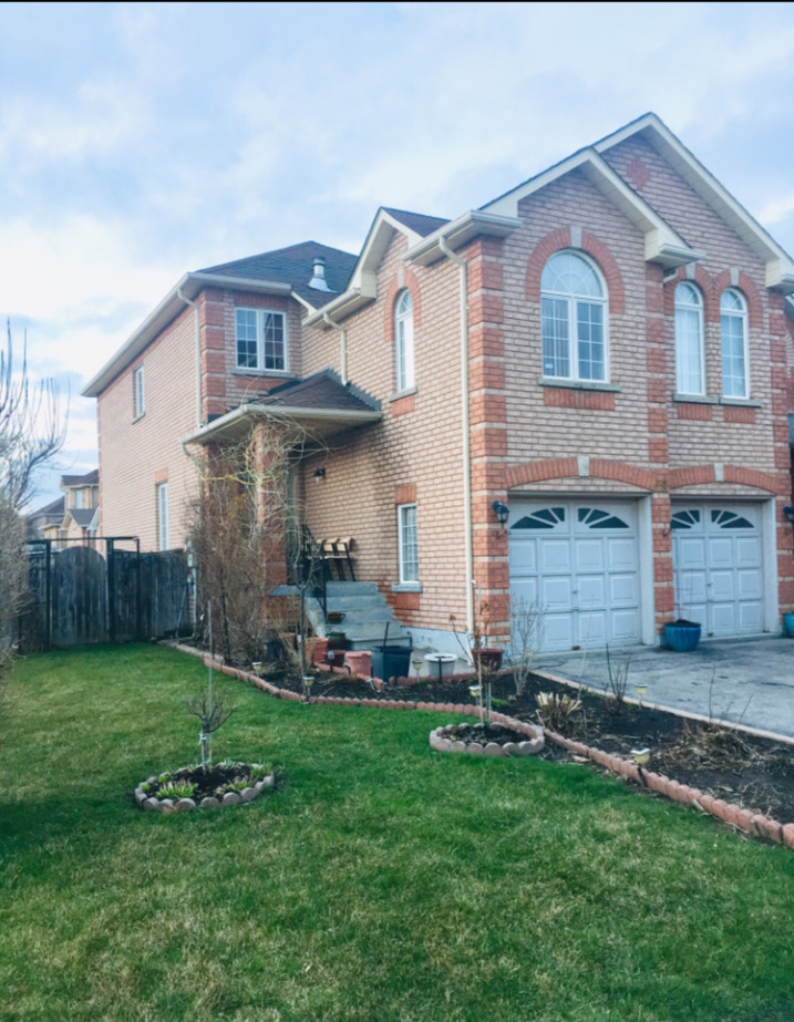 4 Bedroom + 3 Washroom, 2400 sqft, MARKHAM House for Rent